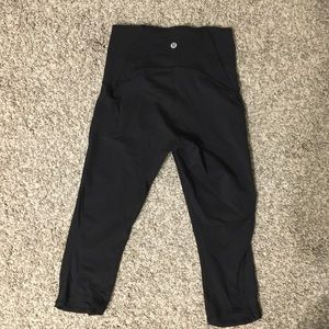 Black lululemon crops
